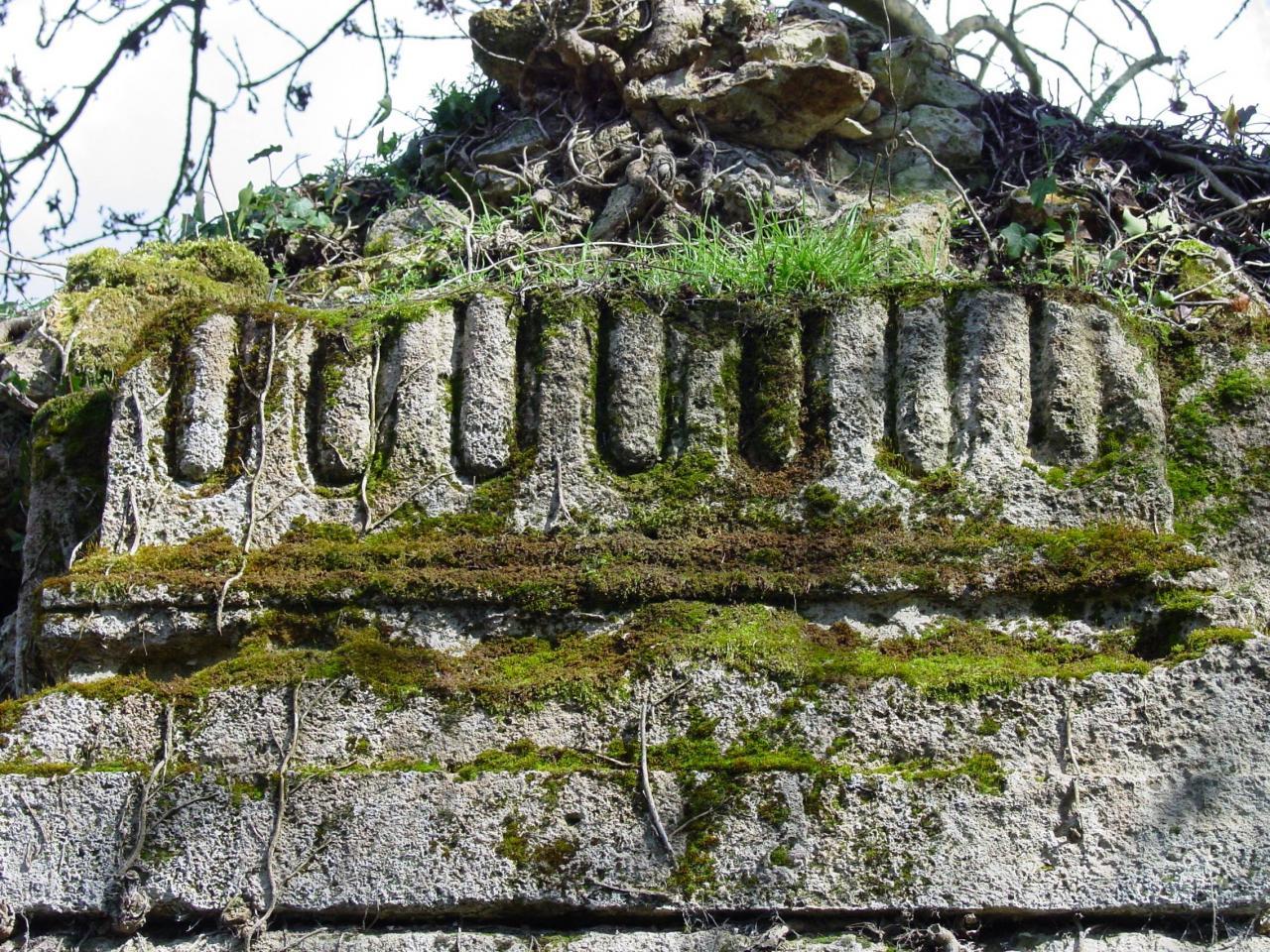 04-Mur intérieur de l'église de l'abbaye d'abbecourt