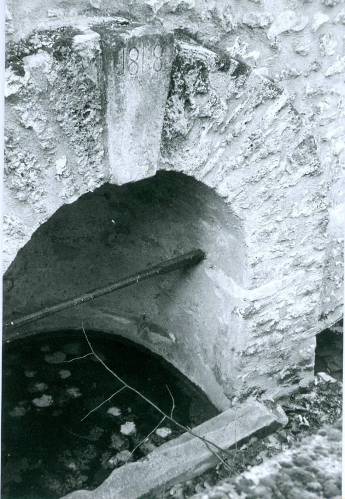 05- Fontaine de la Plaisance