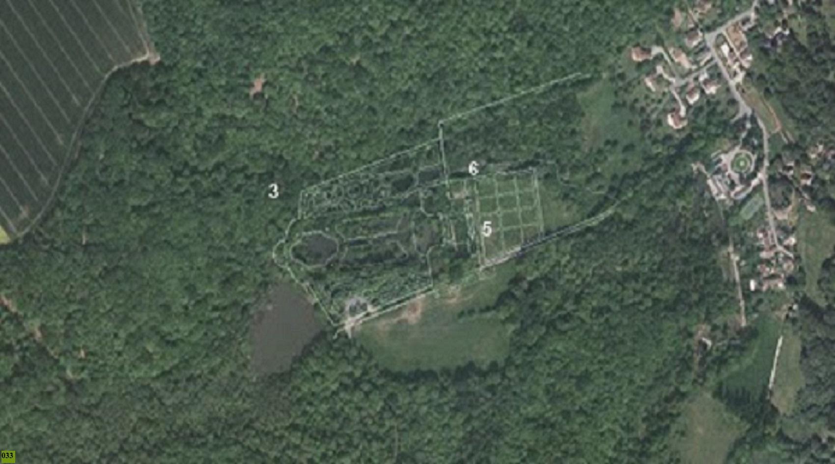 04 superposition plan abbaye sur vue aerienne du site
